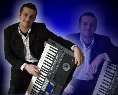 Alleinunterhalter mieten & vermieten - Alleinunterhalter mit Keyboard - All inclusive! in Korbach