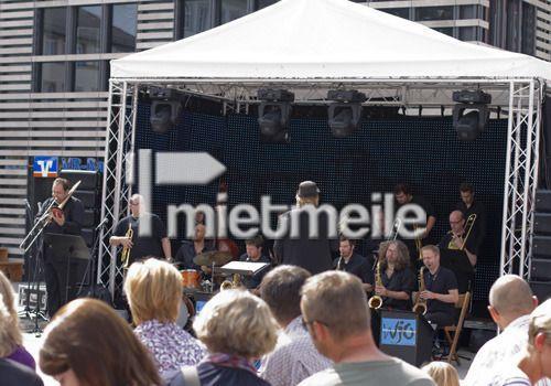 Bühne mieten & vermieten - Kleine Bühne mit 3x6m in Eibelstadt