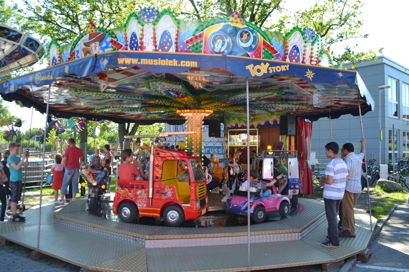 Karussell mieten & vermieten - Kinderkarussell Toy Story in Lehrte