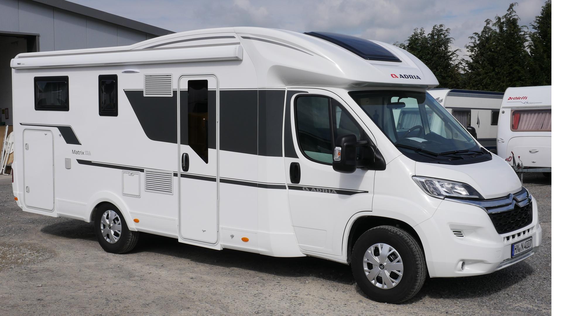 Wohnmobil Teilintegriert Adria Matrix M 9 SP mieten - 9,9 EUR pro Tag -  mietmeile.de