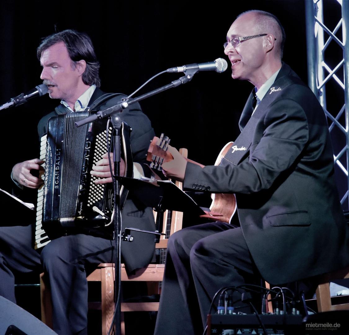 Bands mieten & vermieten - Französische Livemusik in Halle (Saale)