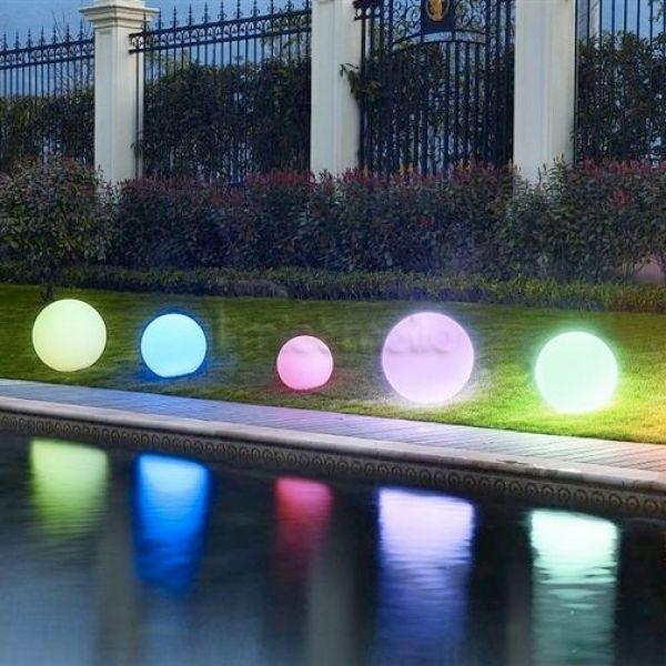 Leuchten & Lampen mieten & vermieten - Leuchtkugel / Schwimmkugel 50cm mit Akku und LED in Chemnitz