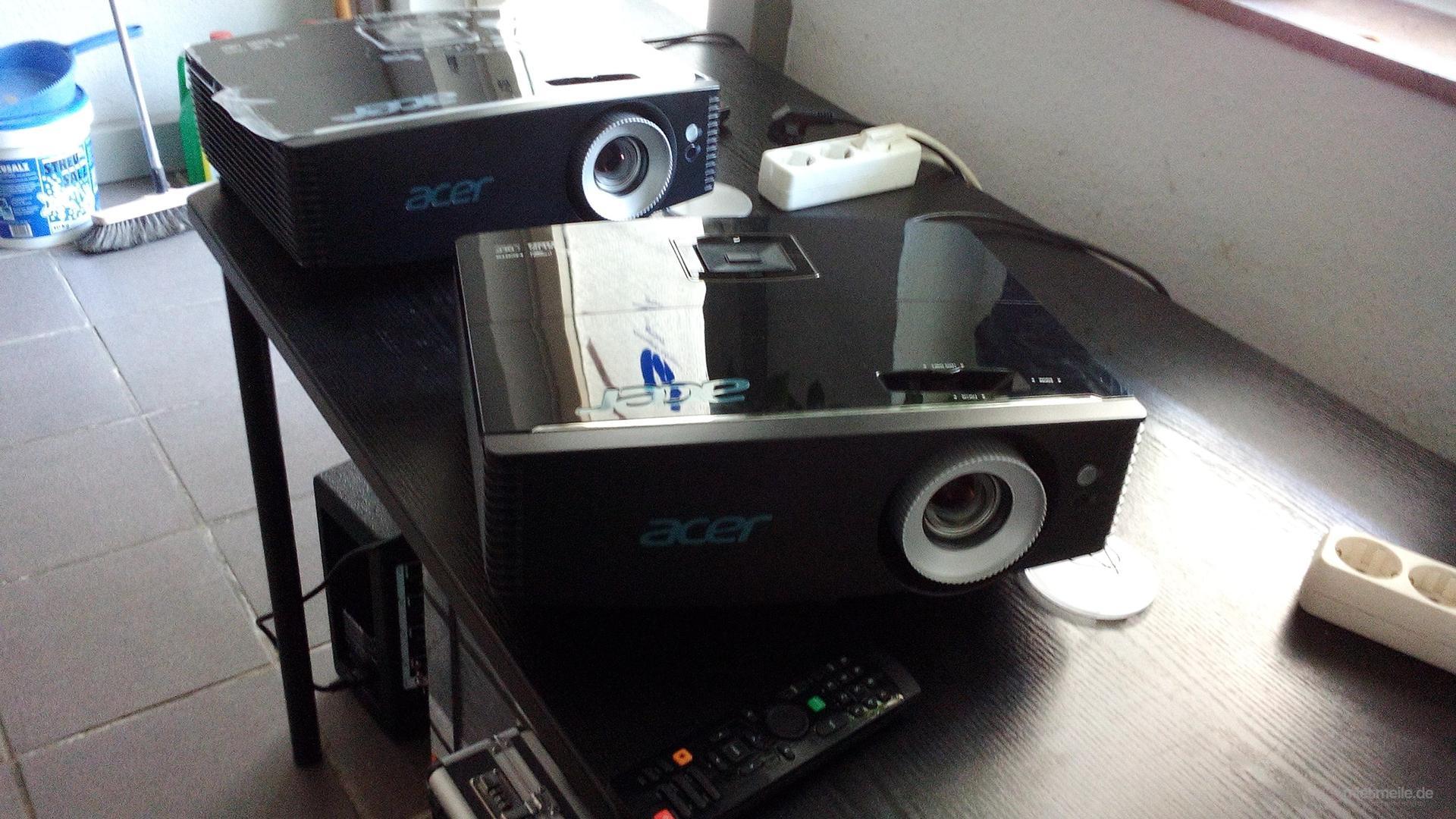 Beamer mieten & vermieten - Full HD Beamer 5000 Lumen hell  in Bonn