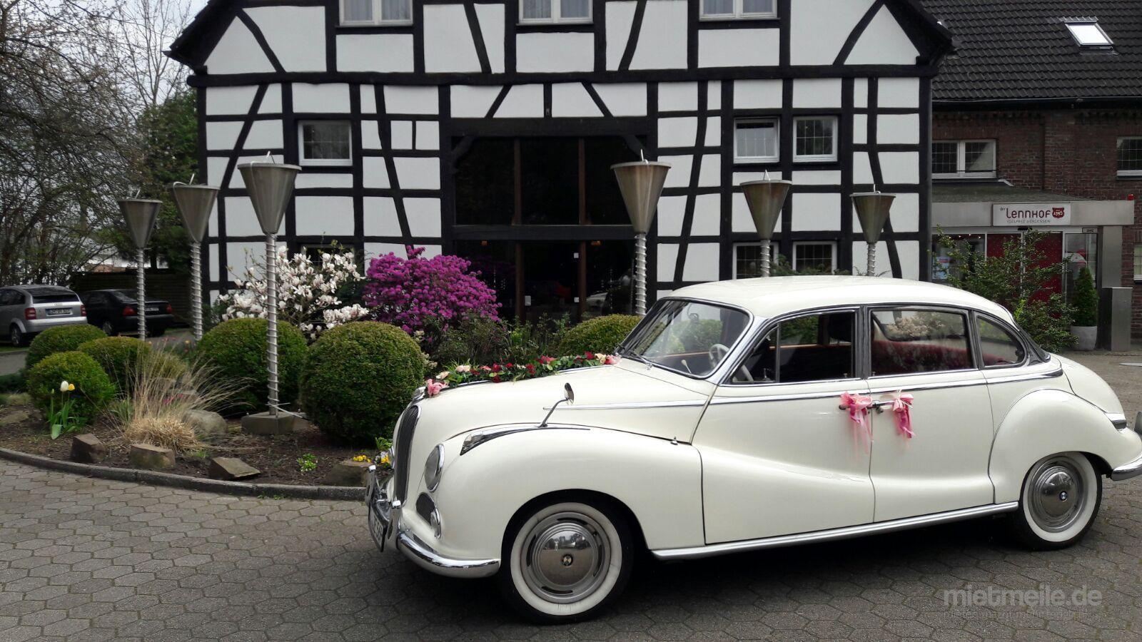 """Oldtimer mieten & vermieten - Oldtimer BMW """"Barockengel"""" - Hochzeitsauto - Hochzeitsfahrten in Wermelskirchen"""
