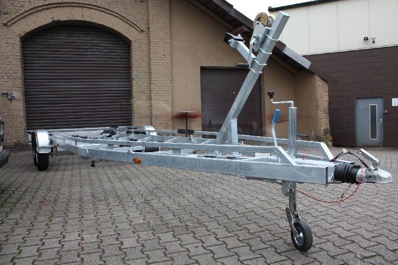 Bootstrailer mieten & vermieten - 3500kg Bootstrailer für Segel- und Motorboote in Herdecke