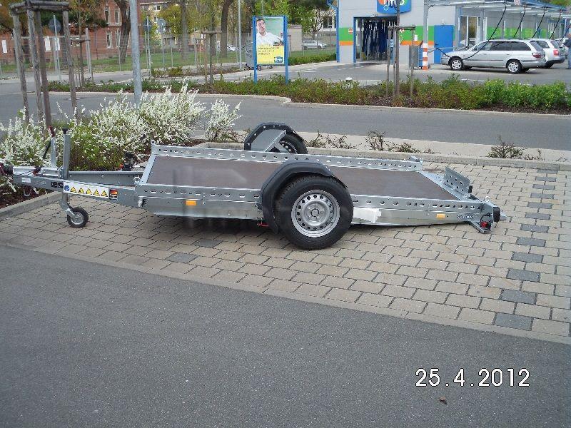 Motorradanhänger mieten & vermieten - WOM - absenkbarer Motorrad Anhänger 1500kg in Eckental