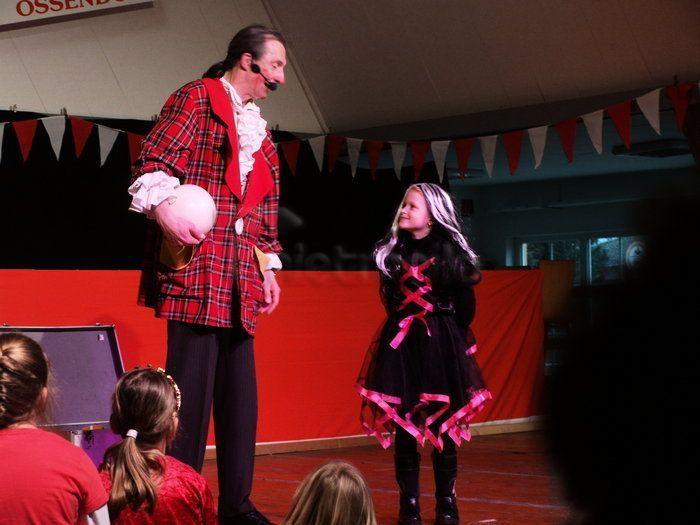 Clown mieten & vermieten - Clown Tasso - jede Menge Spaß und Artistik in Hövelhof