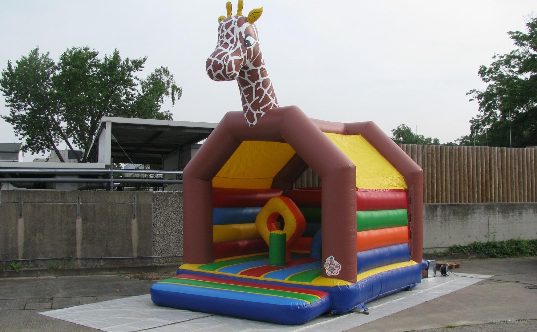 Hüpfburg mieten & vermieten - Hüpfburg 4,0 x 5,2 Multiplay Giraffe in Hannover