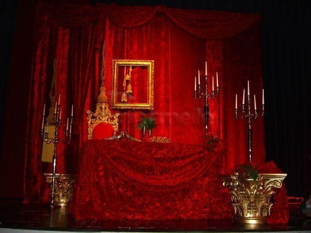 Bühne mieten & vermieten - Barocker Samt-Thron, Samtvorhänge, Kerzenhalter, in Dresden