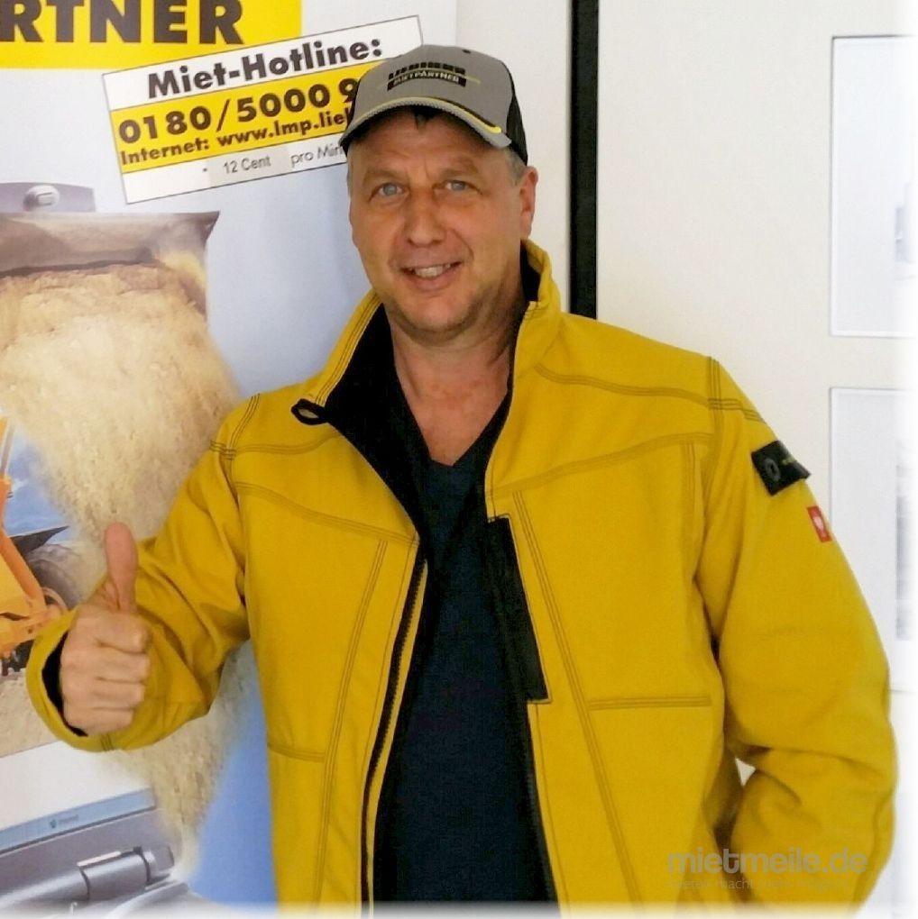 LKW Fahrer mieten & vermieten - Herr in Frankfurt am Main