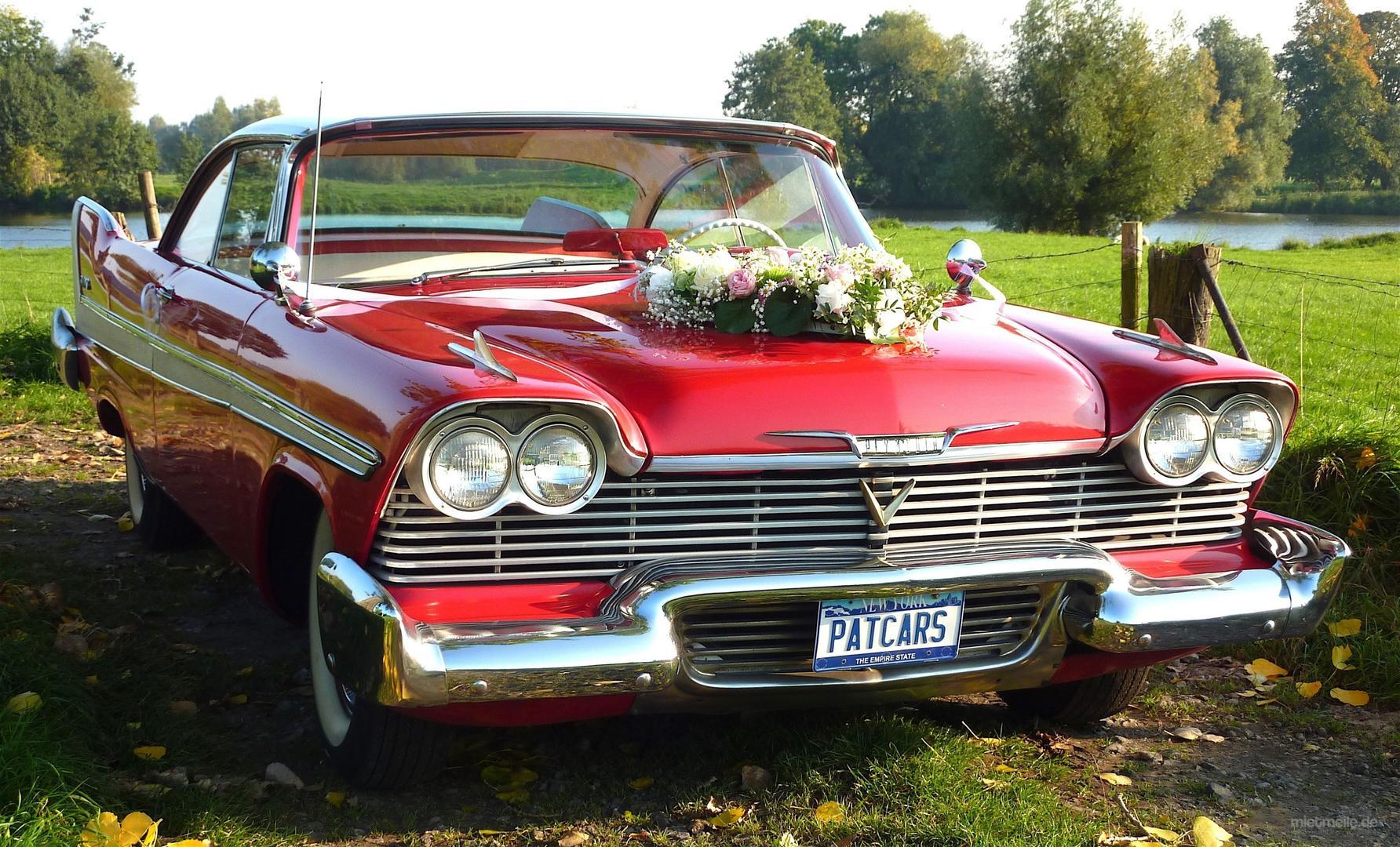 Oldtimer mieten & vermieten - Plymouth von 1958 mit Heckflossen  Traumhafter US-Oldtimer für Ihre Hochzeit in Mönchengladbach