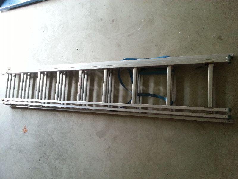 Leiter mieten & vermieten - Aluleiter 3 x 9 oder 3 x 11 Strossen Mehrzweckleiter in Wermelskirchen