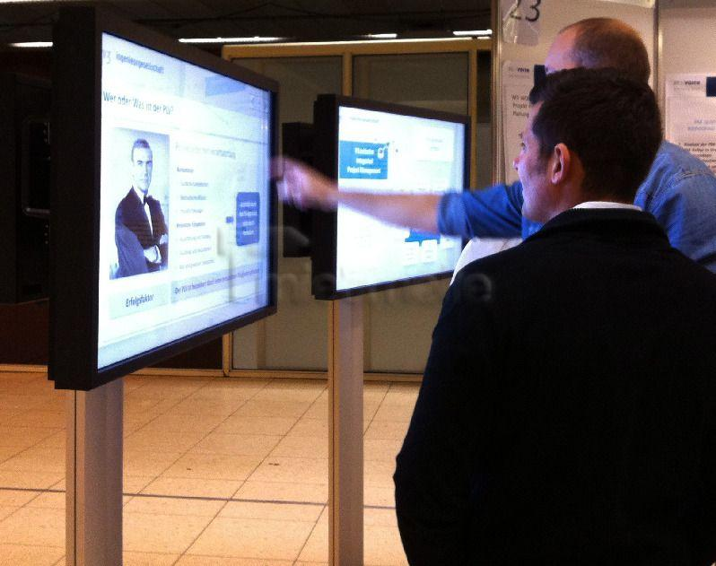 """LCD Monitore mieten & vermieten - 42"""" Touch-Screen mit Bodenständer für Messe mieten in Dresden"""
