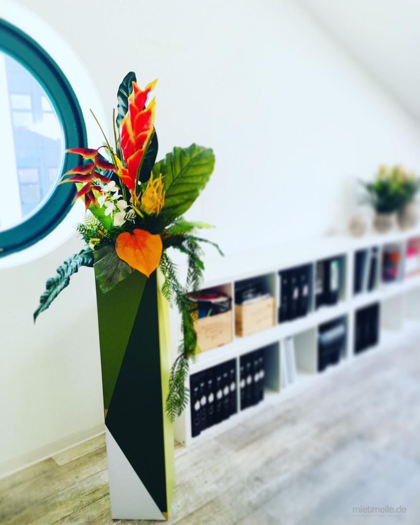 Blumengestecke mieten & vermieten - XXL Blumen / Florale Gestecke / Blumen künstlich oder echt!  in Berlin