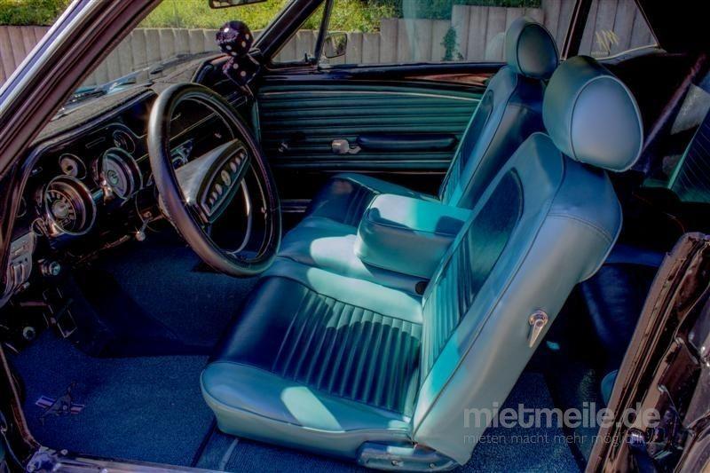 Oldtimer mieten & vermieten - Ford Mustang 1968 Coupé Oldtimer Hochzeitsauto Mieten Ausfahrt in Altensteig