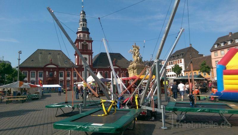 Bungee mieten & vermieten - 4er Bungee Trampolin Anlage SKYLINE JUMPER in Lauenau