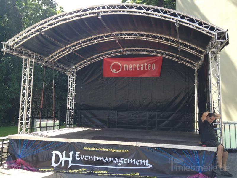 Bühne mieten & vermieten - Rundbogen Bühne, Open Air Bühne, Traversen Bühne in Laußig