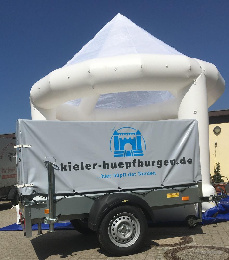 Hüpfburg mieten & vermieten - Hüpfburgen viele Modelle Nylon ca.20m² mit abnehmbarem Dach in Kiel