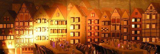 Kulissen mieten & vermieten - Köln Altstadt Kulisse, Altstadt, Kulisse, Köln, Hausfassade, Fassade, Stadtkulisse, Dekoration, Event, Messe in Kamp-Bornhofen