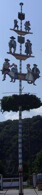 Kulissen mieten & vermieten - Mai Zunft Baum, Maibaum, Zunftbaum, Zunft, Tanz in den Mai, Oktoberfest, München, Bayern, Wiesn, Volksfest, Tanzbaum in Kamp-Bornhofen