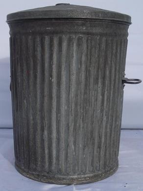 Antik & Rustikal mieten & vermieten - Amerikanische Mülltonne, Mülleimer, Abfalleimer, Abfalltonne , Mülltonne, Tonne, Amerika, USA, amerikanisch, Dekoration in Kamp-Bornhofen