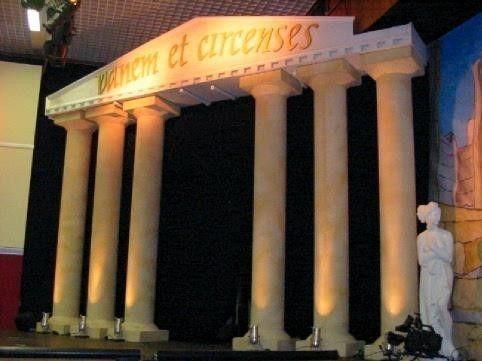 Kulissen mieten & vermieten - Griechische Tempelbühne, Tempel, Bühne, Griechenland, Tempelanlage, griechisch, Säulen, Säule, Säulentempel, Dekoration in Lahnstein
