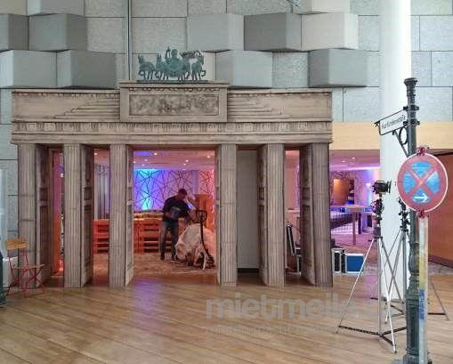 Dekofiguren mieten & vermieten - Brandenburger Tor, Berlin, Wahrzeichen, Brandenburg, Dekoration, Tor, Attrappe, Event, Messe, Veranstaltung, leihen in Lahnstein