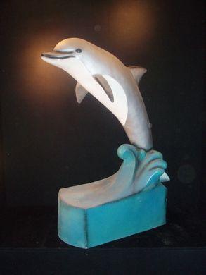 Dekofiguren mieten & vermieten - Delphin Figuren, Delphin, Figur, Unterwasserwelt, Wasser, Meer, Ozean, Wassersäuger, Delphin auf Welle, Dekoration in Lahnstein