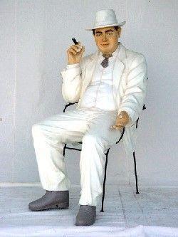 Dekofiguren mieten & vermieten - Al Capone Figur, USA, Amerika, 20er Jahre, Verbrecher, Krimineller, Boss, Al Capone, Figur, Party, Event, Messe in Kamp-Bornhofen