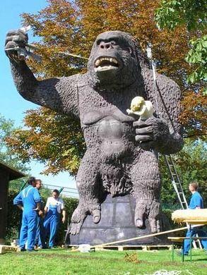Dekorationsservice mieten & vermieten - King Kong Affe XXL, King Kong, Affe, Monster, Affenkreatur, Riesenaffe, Gorilla, Dschungel, Dekoration, Figur, Event in Lahnstein