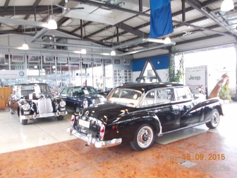 Hochzeitsauto mieten & vermieten - Mercedes 300 d Adenauer (W 189) mit Chauffeur in Ansbach