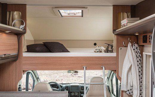 adac wohnmobil alkoven sky traveller comfort class mieten. Black Bedroom Furniture Sets. Home Design Ideas