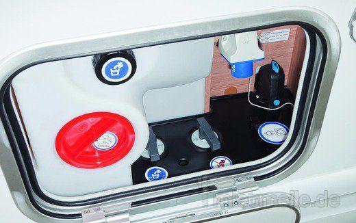 adac wohnmobil sky traveller 650 dg mieten. Black Bedroom Furniture Sets. Home Design Ideas