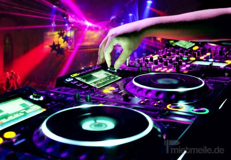 DJ mieten & vermieten - DJ inkl. Musik & Lichtanlage (Hochzeit, Geburtstag, Party, Firmenevent, Weihnachtsfeier, usw.) buchen Lichttechnik, Tontechnik, Party, PA, Boxen in Schwäbisch Hall