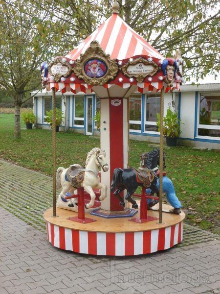 Karussell mieten & vermieten - Nostalgisches Kinderkarussell in Moosinning