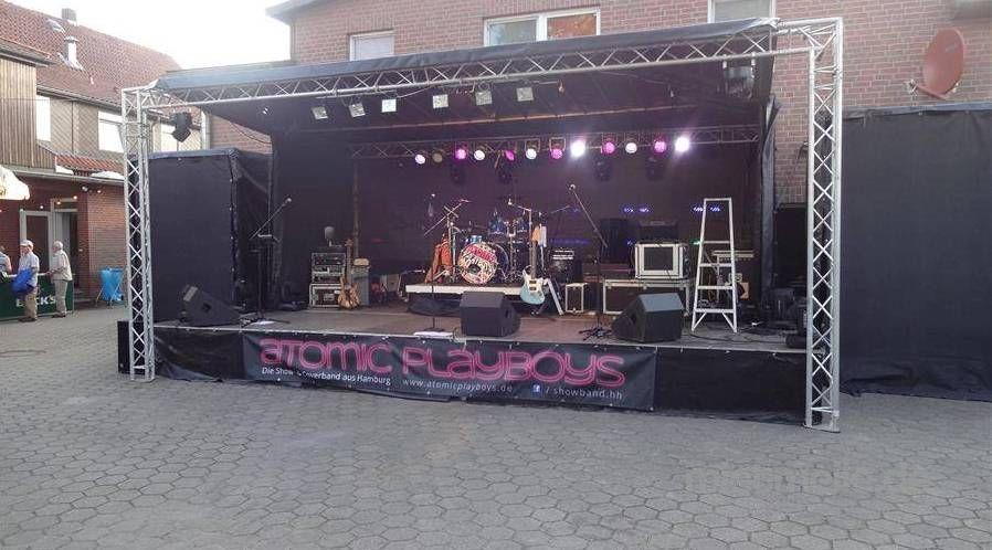 Bühne mieten & vermieten - mobile Bühne 8x4,5m in Kaltenkirchen
