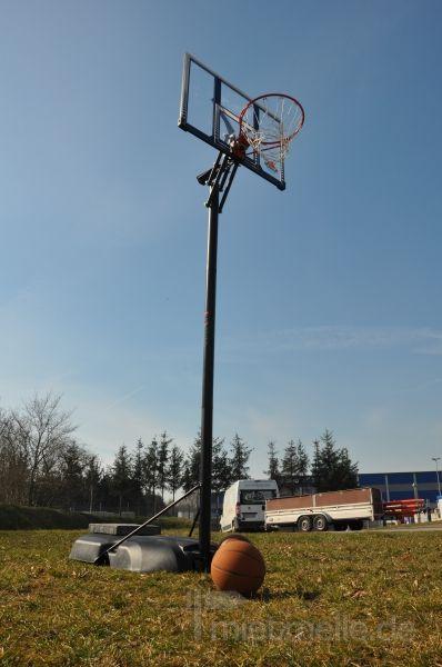 Spielgeräte mieten & vermieten - mobiler Basketballkorb mieten in Schwerin
