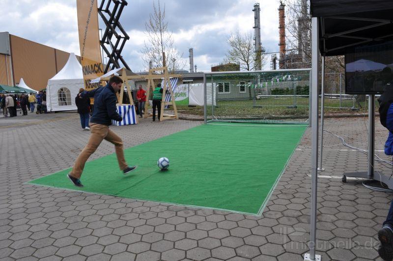 Fußball mieten & vermieten - elektronisches Fußballtor mieten in Schwerin