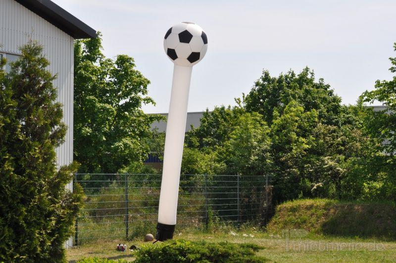 Skydancer mieten & vermieten - Skydancer in Fußballoptik mieten in Schwerin