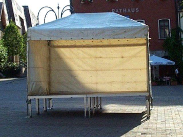 Bühne mieten & vermieten - Bühne mit Stahlüberdachung 3 x 4m in Reinstädt