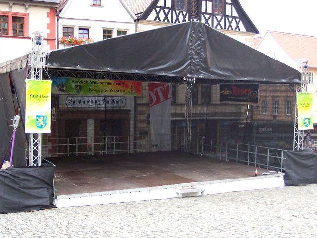 Bühne mieten & vermieten - Bühne mit Dach Traversensystem 8 x 12m - Hubdach in Reinstädt
