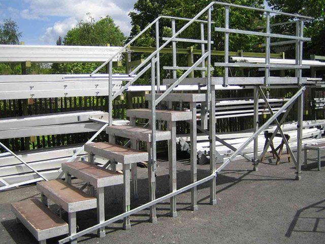 Bühne mieten & vermieten - Handlauf für Treppenstufen für Ihre Bühne in Reinstädt