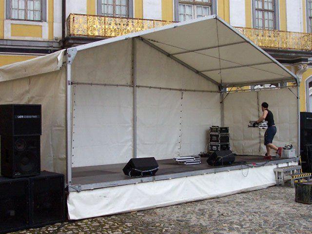 Bühne mieten & vermieten - Bühne mit Zeltüberdachung 8 x 3 m in Reinstädt