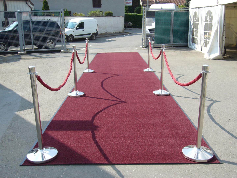Teppiche mieten & vermieten - Teppichläufer rot, red carpet, 10m lang, 2m breit in Reinstädt