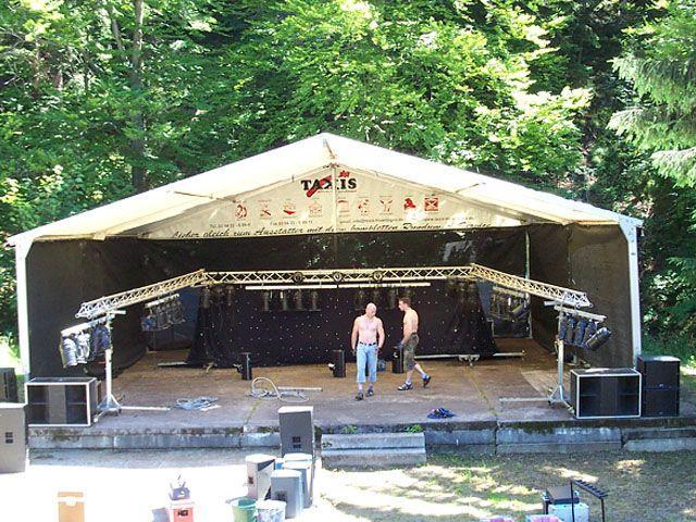 Bühne mieten & vermieten - Bühne mit Zeltüberdachung 10 x 15 m in Reinstädt