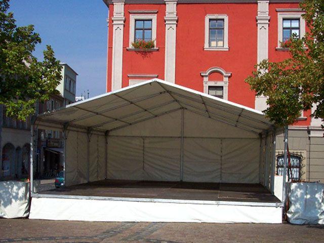 Bühne mieten & vermieten - Bühne mit Zeltüberdachung 8 x 9 m in Reinstädt
