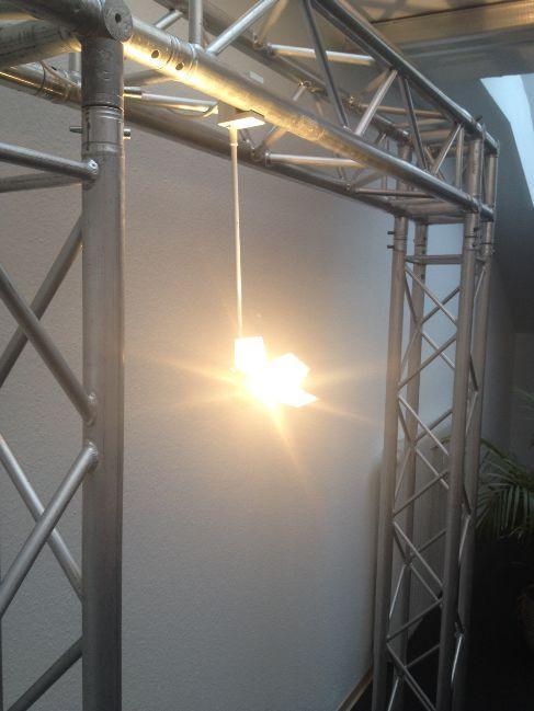 Leuchten & Lampen mieten & vermieten - Flood 150 Displayleuchte / Auslegestrahler in Ratingen