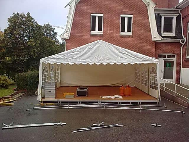 Bühne mieten & vermieten - Bühnenpodest / Indoor / Bühnenelement / Bühne / Podest in Neumünster