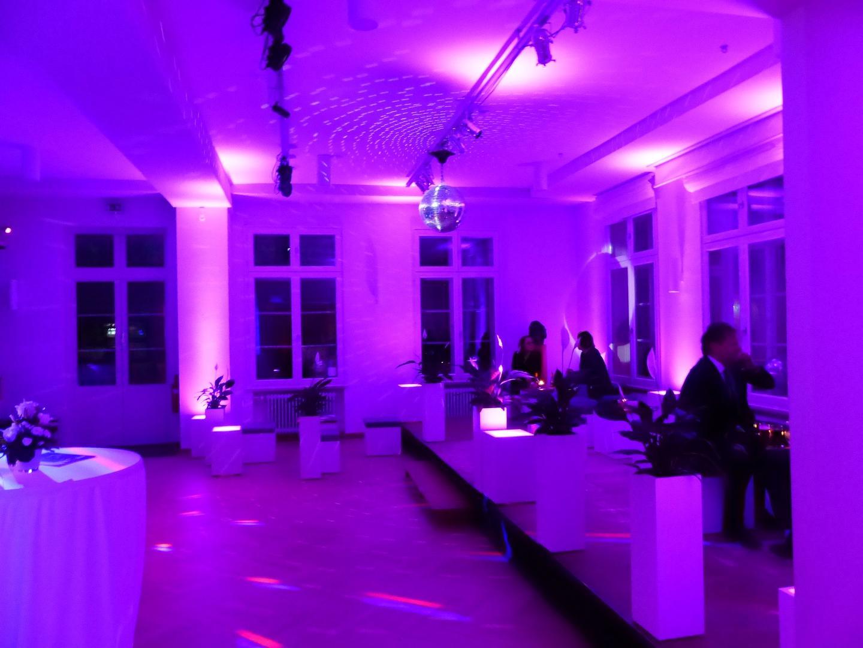 Lichttechnik mieten & vermieten - PAR 56 Floorspot / Scheinwerfer / Bühnenlicht / Showlicht / Partylicht in Neumünster