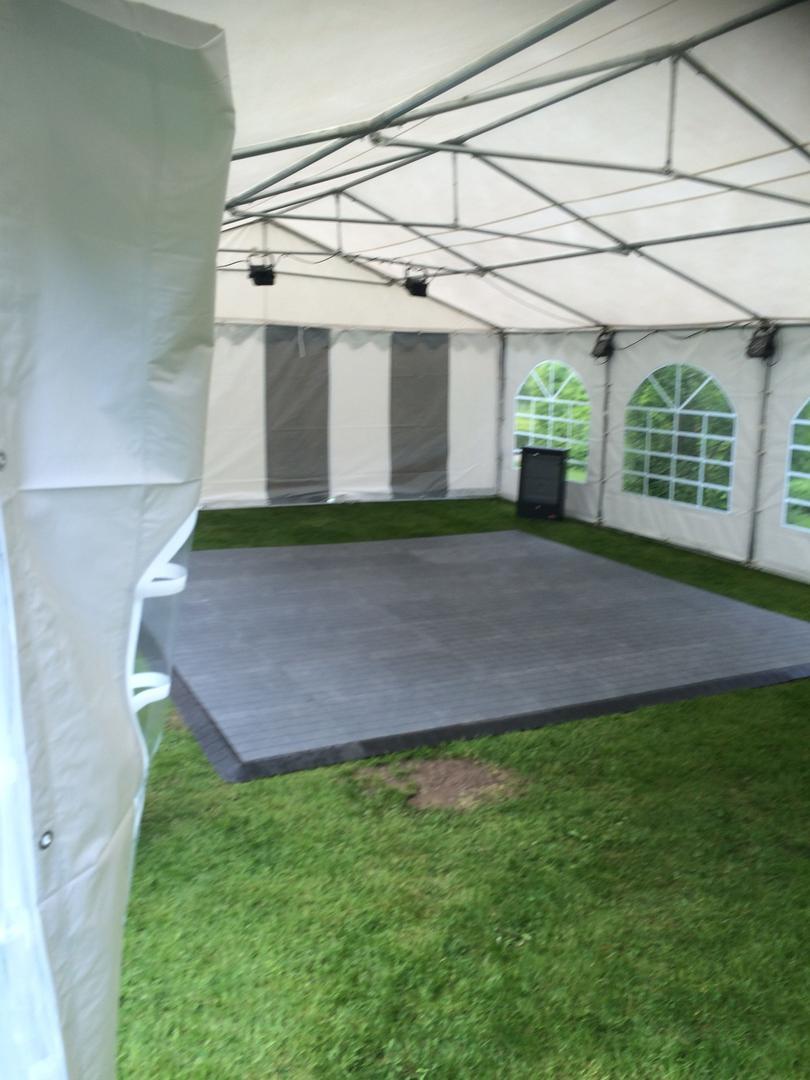 Tanzboden mieten & vermieten - Tanzfläche 4 x 4 m inkl. Auf und Abbau / Tanzboden / Tanzfläche / Abdeckboden / Tanzparkett in Neumünster